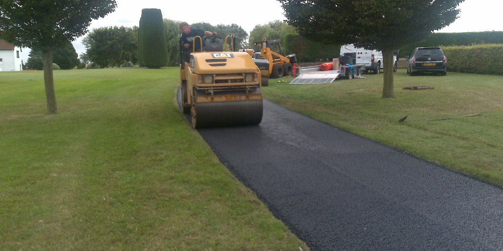 new tarmac road installion