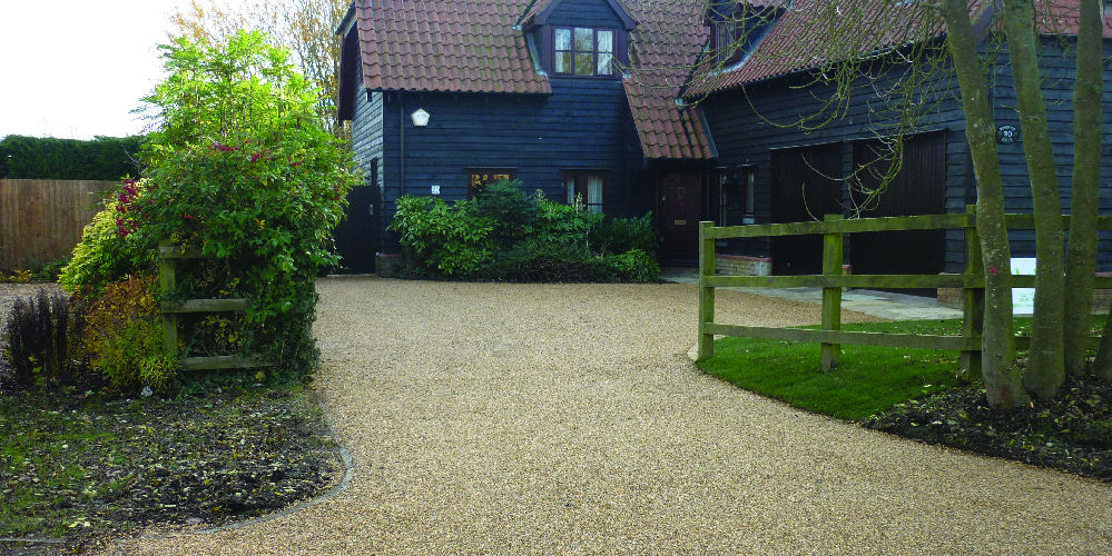 Driveway in tar and chip in Cambridge, Cambridgeshire
