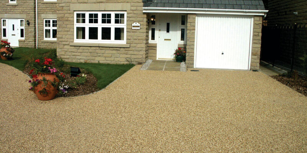 a resin surfacing driveway